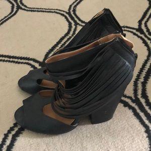 Quipid heel dress sandals size 9